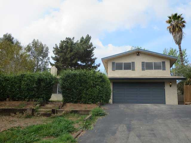 Main Photo: SOUTH ESCONDIDO House for sale : 3 bedrooms : 1979 Alexander Drive in Escondido