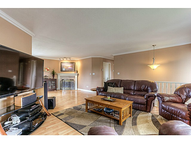 Photo 5: 10385 167TH Street in Surrey: Fraser Heights House for sale (North Surrey)  : MLS(r) # F1424302