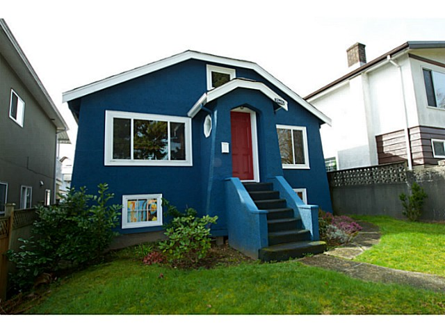 Main Photo: 2486 GALT Street in Vancouver: Collingwood VE House for sale (Vancouver East)  : MLS(r) # V1111193