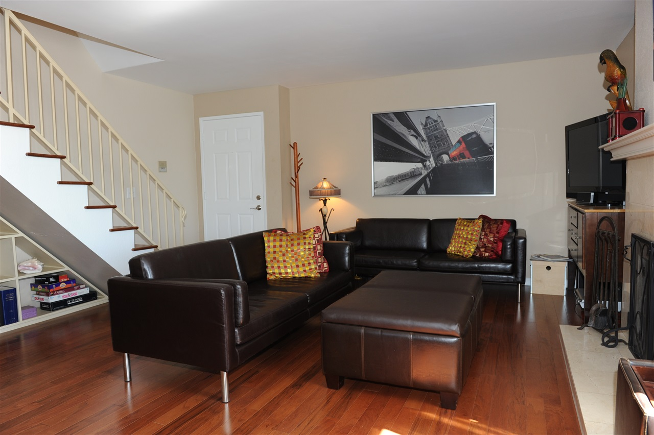 Main Photo: UNIVERSITY HEIGHTS Condo for sale : 2 bedrooms : 4580 Ohio St #11 in San Diego