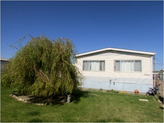 "Main Photo: 10439 100A Street: Taylor Manufactured Home for sale in ""TAYLOR"" (Fort St. John (Zone 60))  : MLS(r) # N245044"