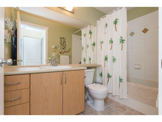 "Photo 12: 11 5839 PANORAMA Drive in Surrey: Sullivan Station Townhouse for sale in ""Forest Gate"" : MLS(r) # F1448630"