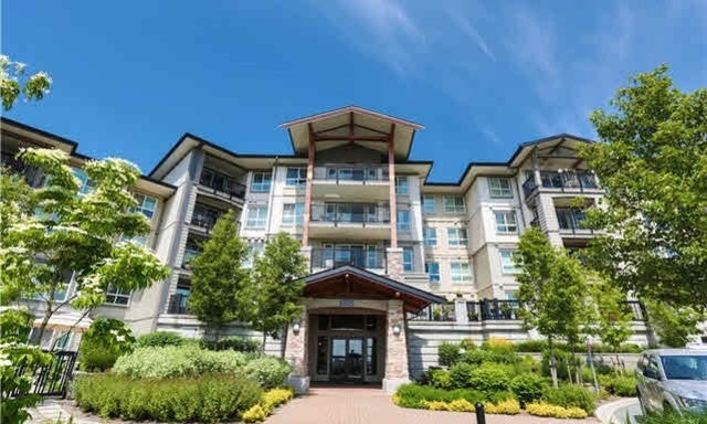 "Main Photo: 319 3050 DAYANEE SPRINGS Boulevard in Coquitlam: Westwood Plateau Condo for sale in ""BRIDGES BY POLYGON"" : MLS®# R2024721"