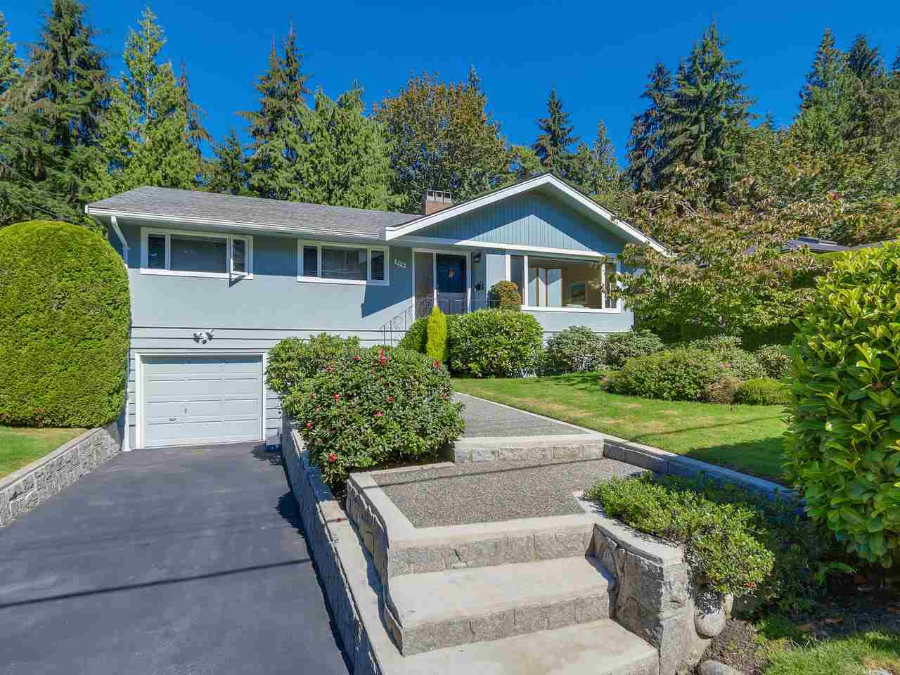 "Main Photo: 974 BELVEDERE Drive in North Vancouver: Canyon Heights NV House for sale in ""Canyon Heights"" : MLS® # R2106348"