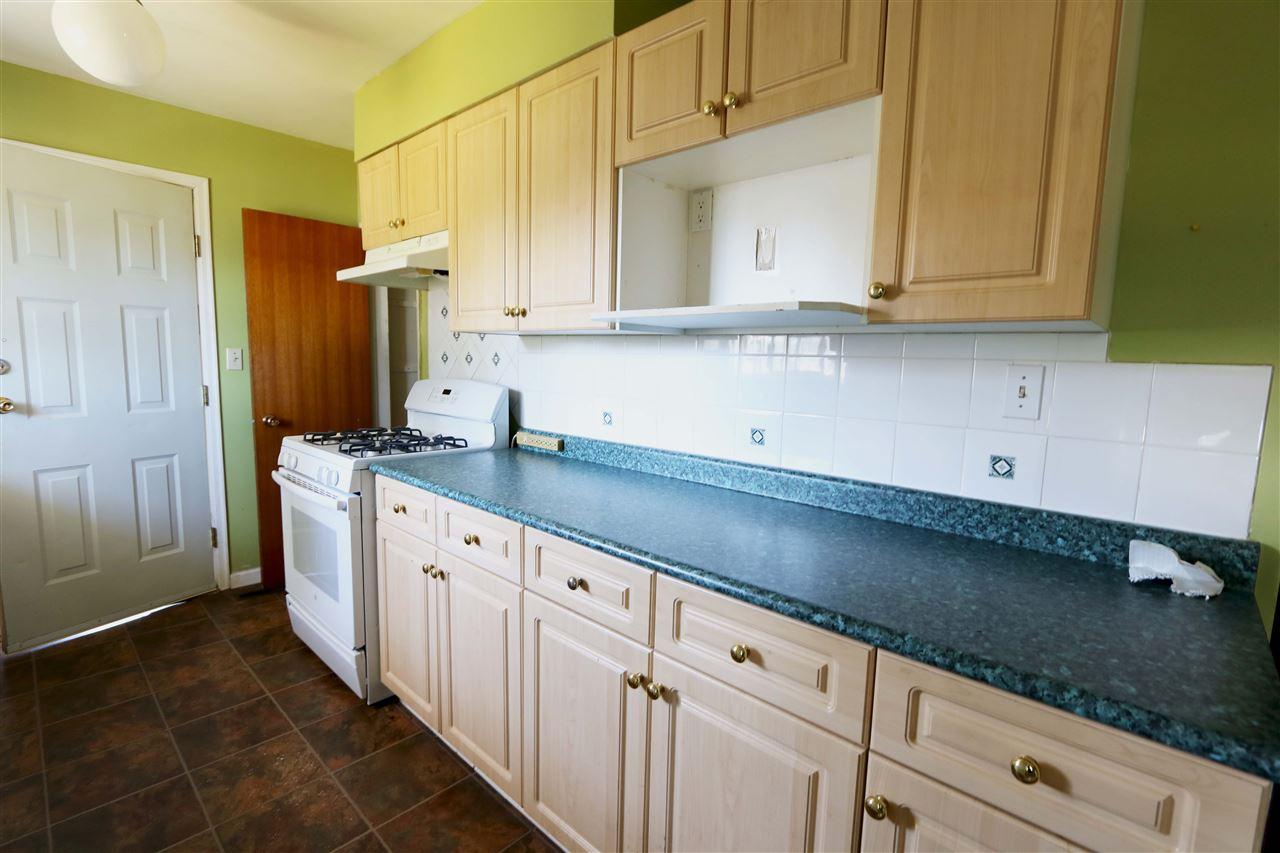 13802 - 13804 GROSVENOR Road in Surrey: Bolivar Heights House Duplex ...