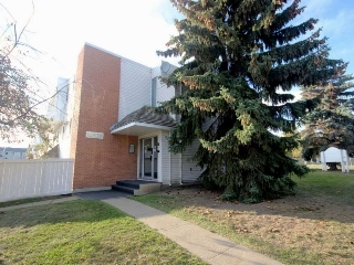 Main Photo: 303 14530 52 Street in Edmonton: Zone 02 Condo for sale : MLS(r) # E4039258