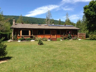 Main Photo: 1552 BURTON Road in Gibsons: Gibsons & Area House for sale (Sunshine Coast)  : MLS®# R2119586