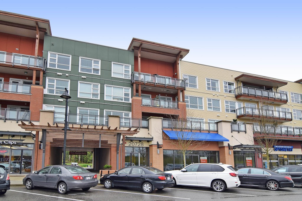 Main Photo: 311 20728 WILLOUGHBY TOWN Centre in Langley: Willoughby Heights Condo for sale : MLS® # R2134325