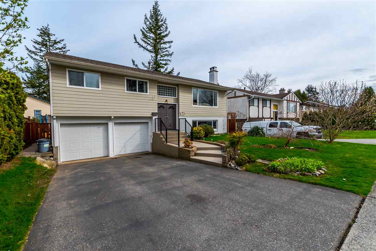 Main Photo: 15974 PROSPECT Crescent: White Rock House for sale (South Surrey White Rock)  : MLS®# R2149167