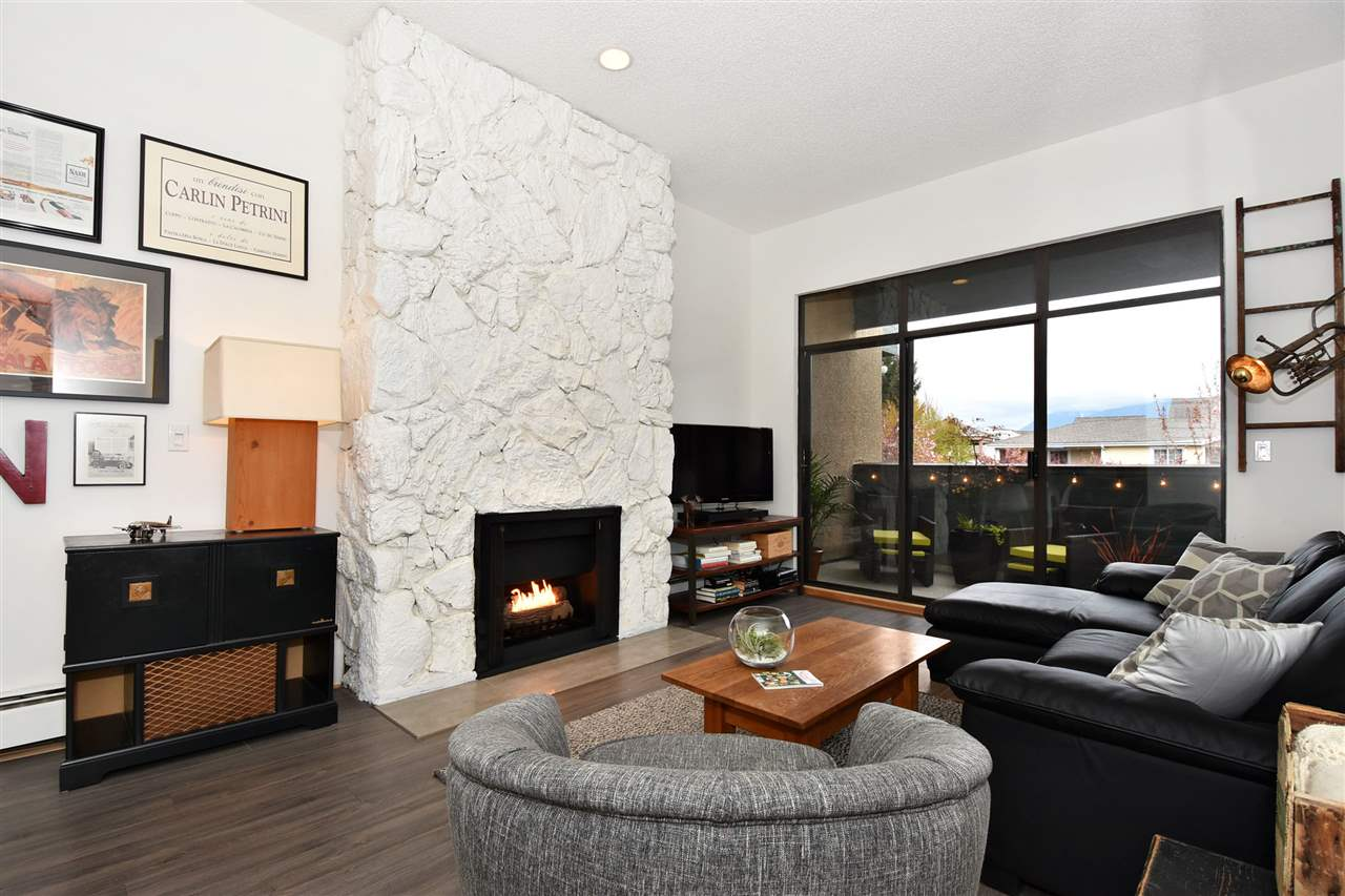 Main Photo: 301 1516 CHARLES Street in Vancouver: Grandview VE Condo for sale (Vancouver East)  : MLS(r) # R2156884