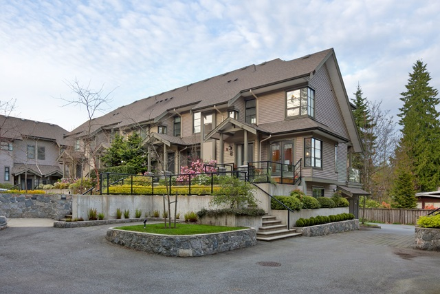"Main Photo: 14 3150 SUNNYHURST Road in North Vancouver: Lynn Valley Townhouse for sale in ""TRAILS EDGE"" : MLS(r) # R2159250"