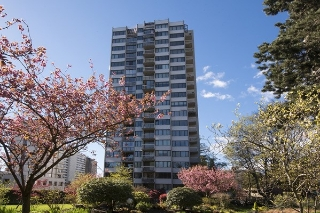 "Main Photo: 1706 1740 COMOX Street in Vancouver: West End VW Condo for sale in ""Sandpiper"" (Vancouver West)  : MLS(r) # R2172816"