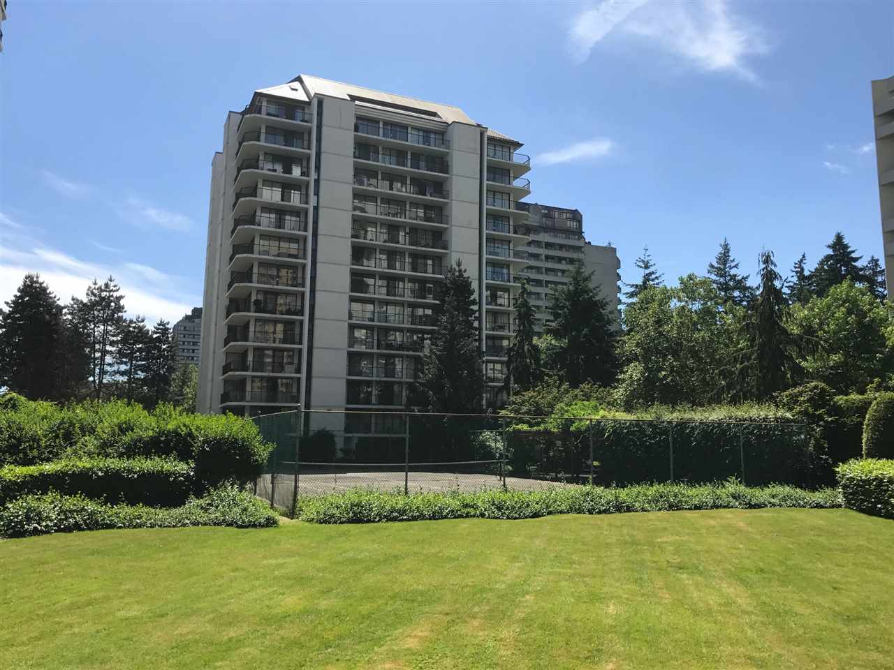 "Main Photo: 1007 4165 MAYWOOD Street in Burnaby: Metrotown Condo for sale in ""PLACE ON THE PARK"" (Burnaby South)  : MLS(r) # R2182230"