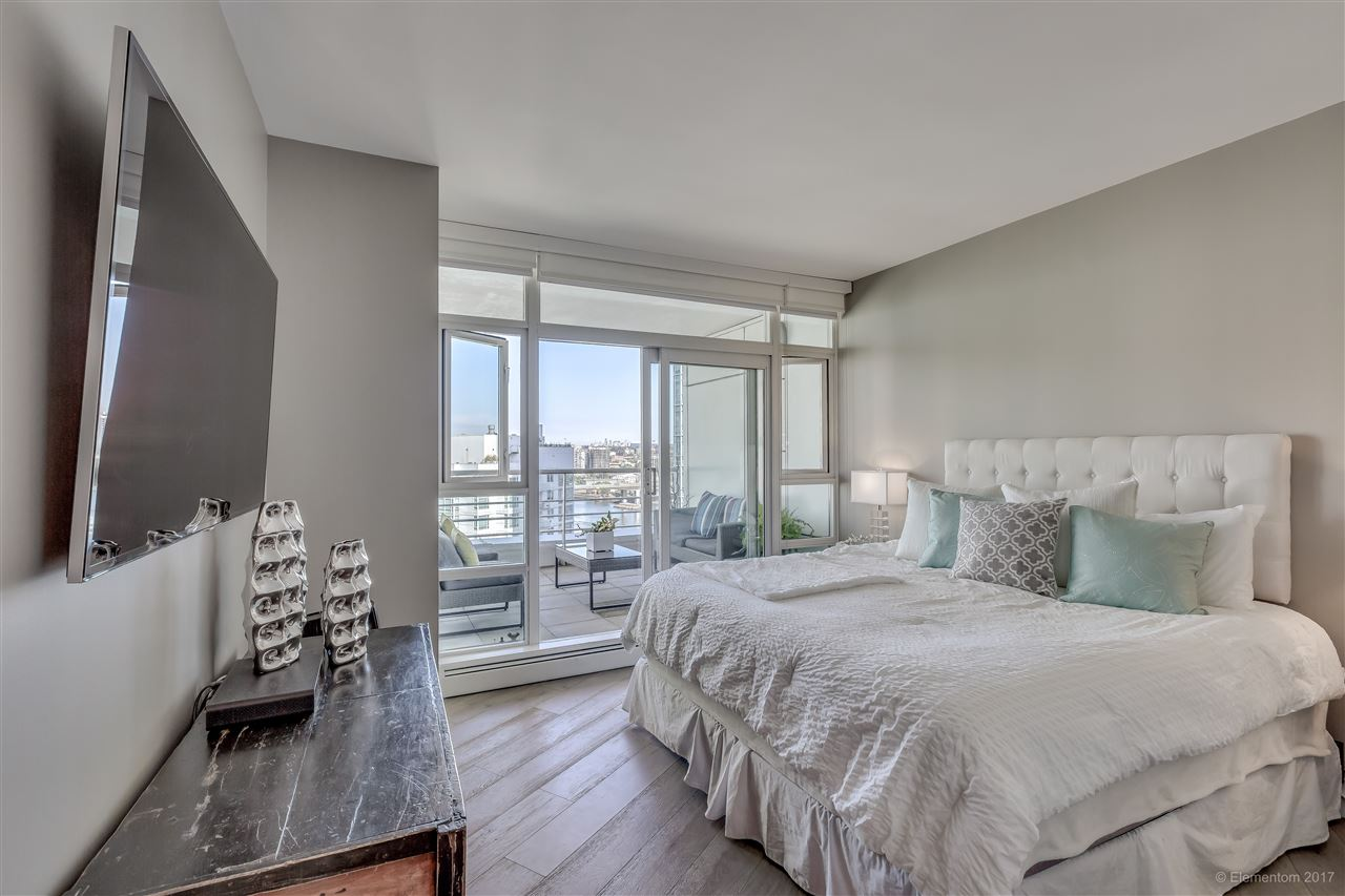 "Photo 12: 1702 189 DAVIE Street in Vancouver: Yaletown Condo for sale in ""AQUARIUS III"" (Vancouver West)  : MLS® # R2182364"