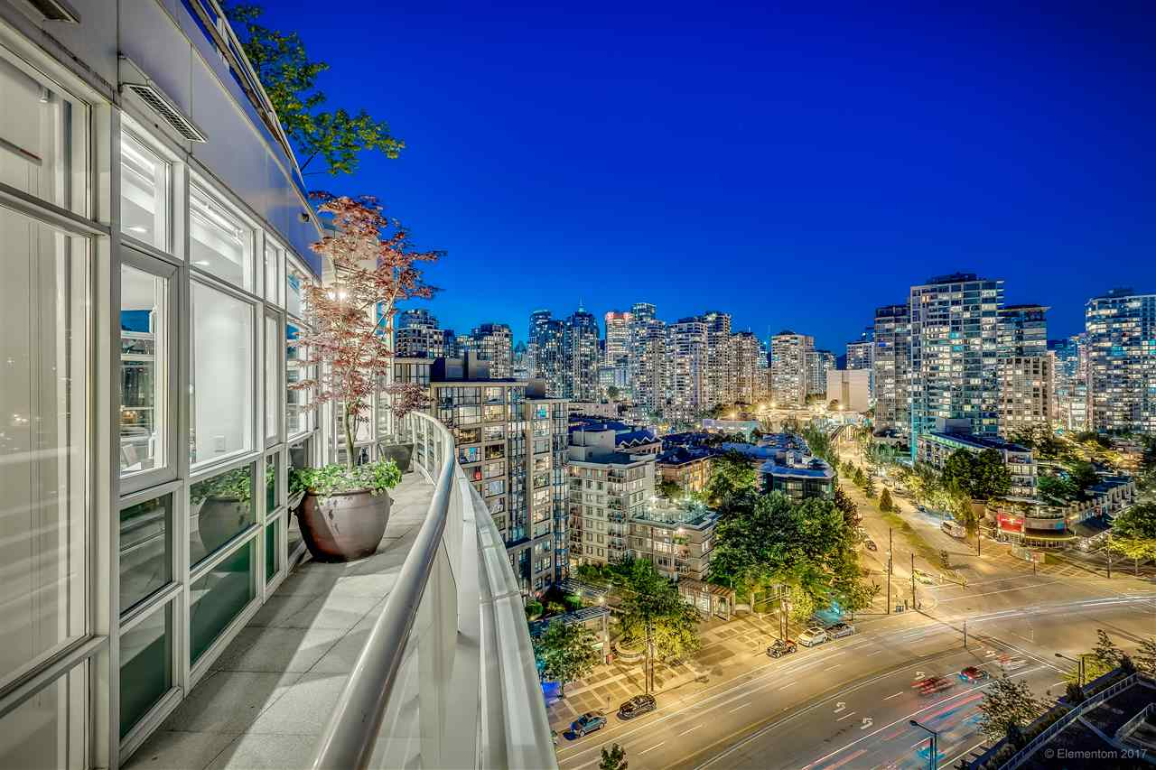 "Photo 18: 1702 189 DAVIE Street in Vancouver: Yaletown Condo for sale in ""AQUARIUS III"" (Vancouver West)  : MLS® # R2182364"