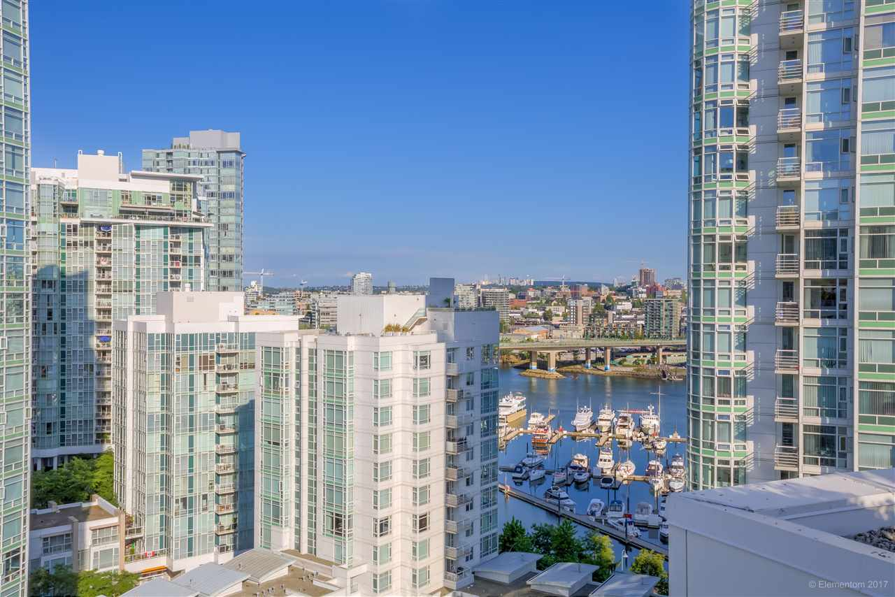 "Photo 16: 1702 189 DAVIE Street in Vancouver: Yaletown Condo for sale in ""AQUARIUS III"" (Vancouver West)  : MLS® # R2182364"