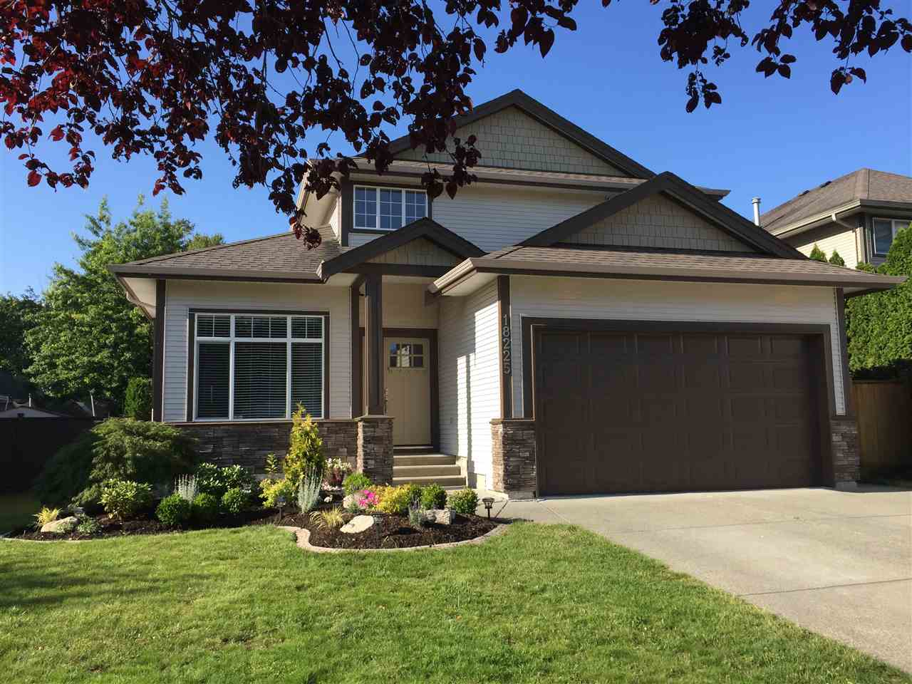 Main Photo: 18225 69 Avenue in Surrey: Cloverdale BC House for sale (Cloverdale)  : MLS® # R2188246