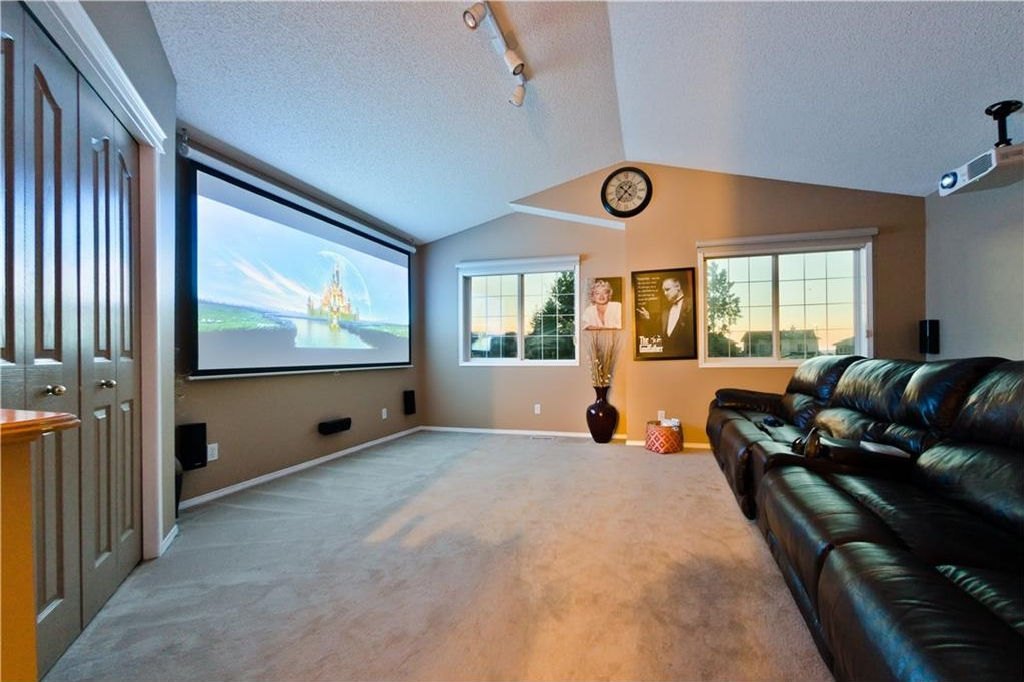 Photo 5: 125 EDGEBROOK GV NW in Calgary: Edgemont House for sale : MLS® # C4129336