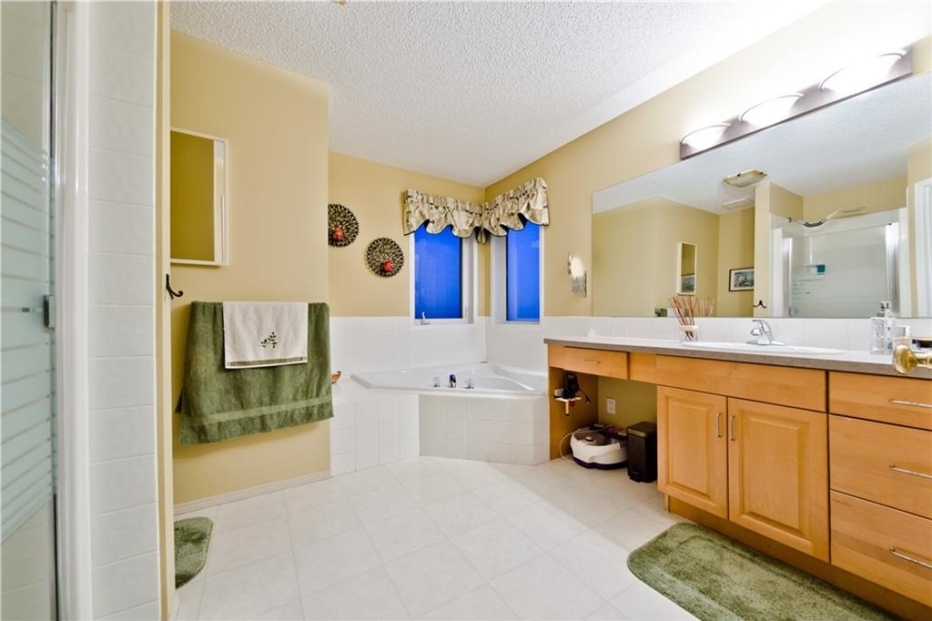 Photo 20: 125 EDGEBROOK GV NW in Calgary: Edgemont House for sale : MLS® # C4129336