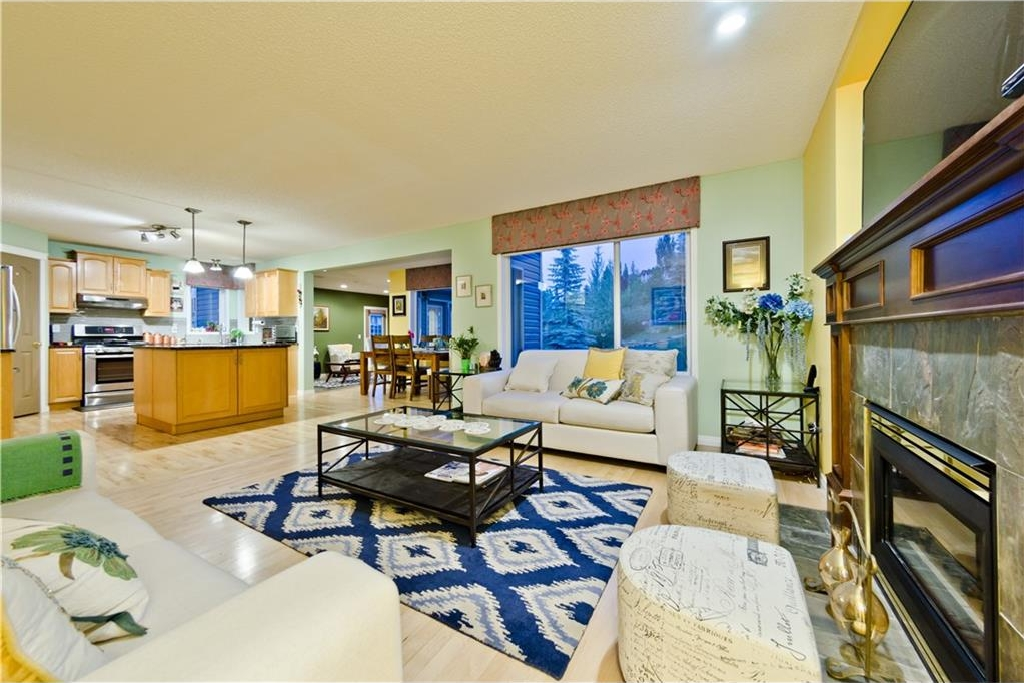 Photo 9: 125 EDGEBROOK GV NW in Calgary: Edgemont House for sale : MLS® # C4129336