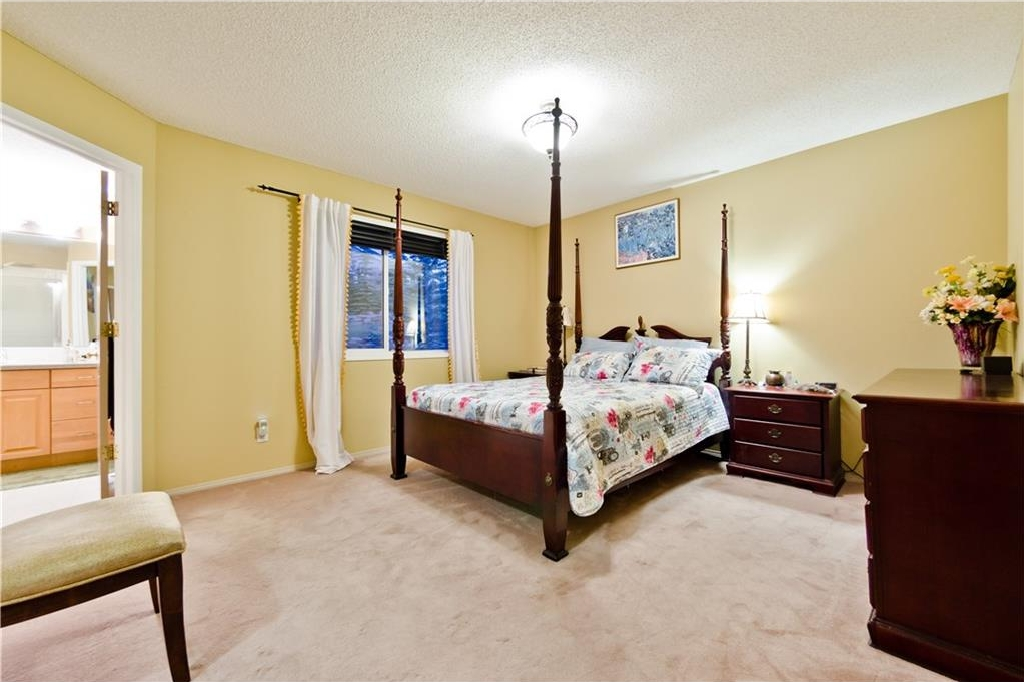Photo 19: 125 EDGEBROOK GV NW in Calgary: Edgemont House for sale : MLS® # C4129336