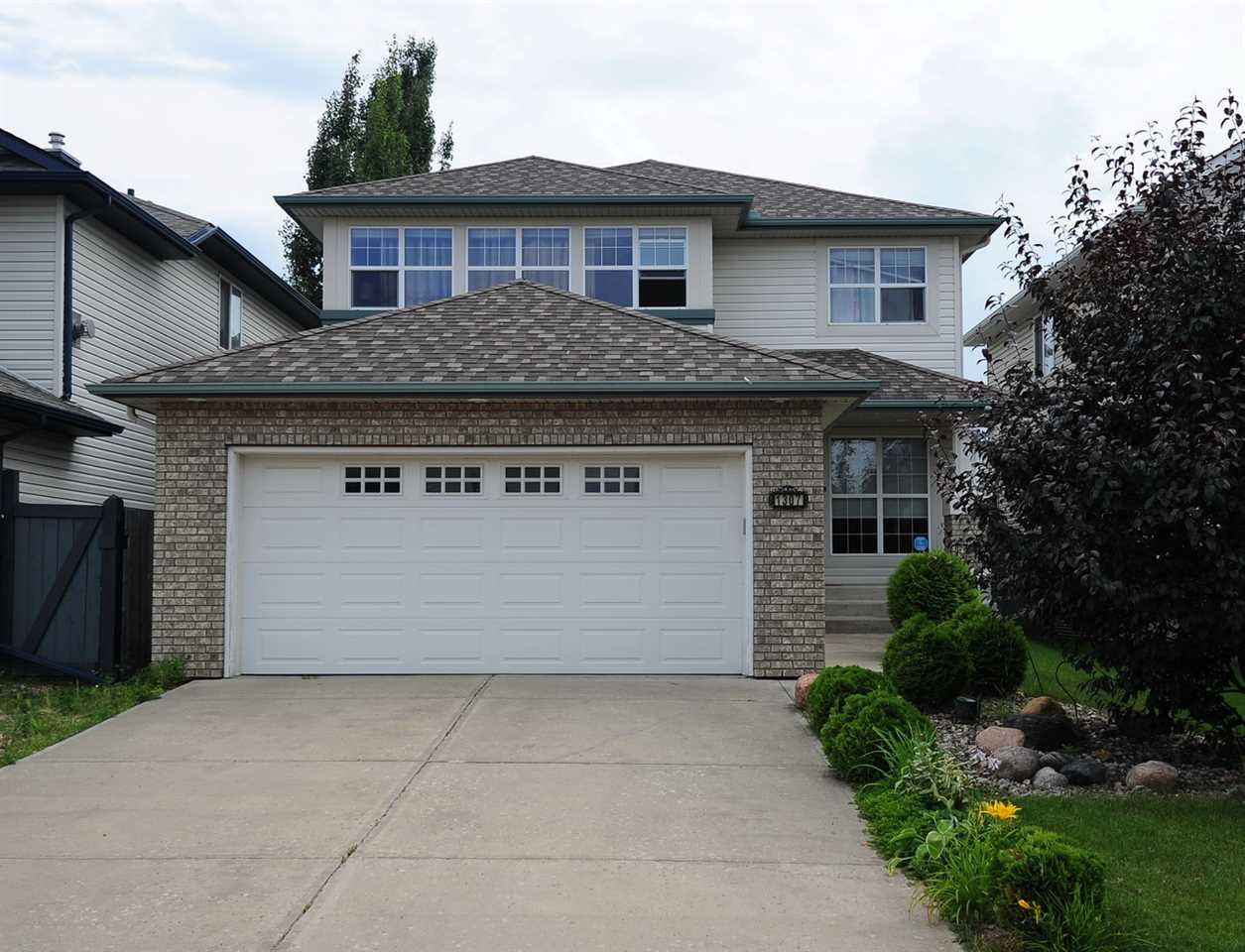 Main Photo: 1307 Barnes Close in Edmonton: Zone 55 House for sale : MLS® # E4075596