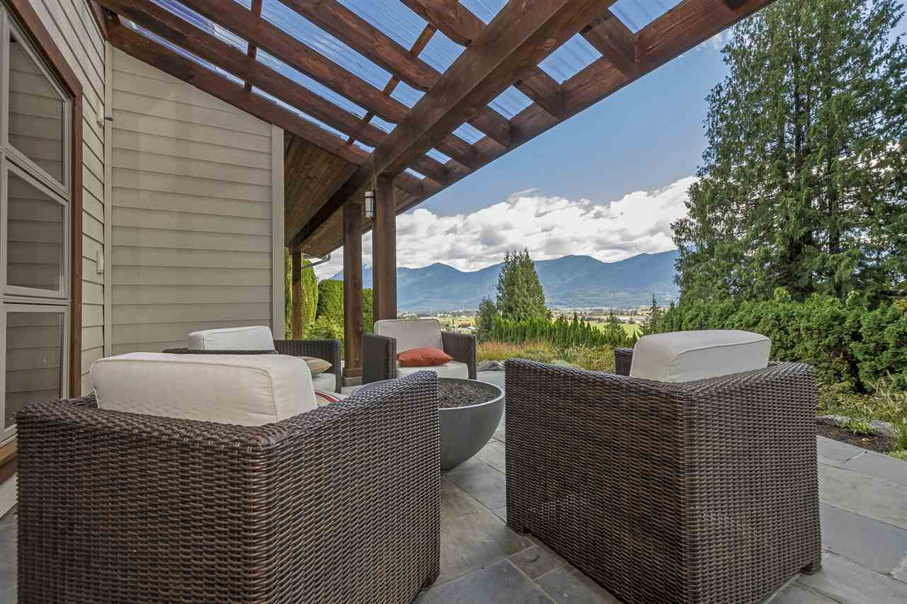 "Photo 18: Photos: 10024 EAGLE Crescent in Chilliwack: Little Mountain House for sale in ""Little Mountain"" : MLS® # R2209962"