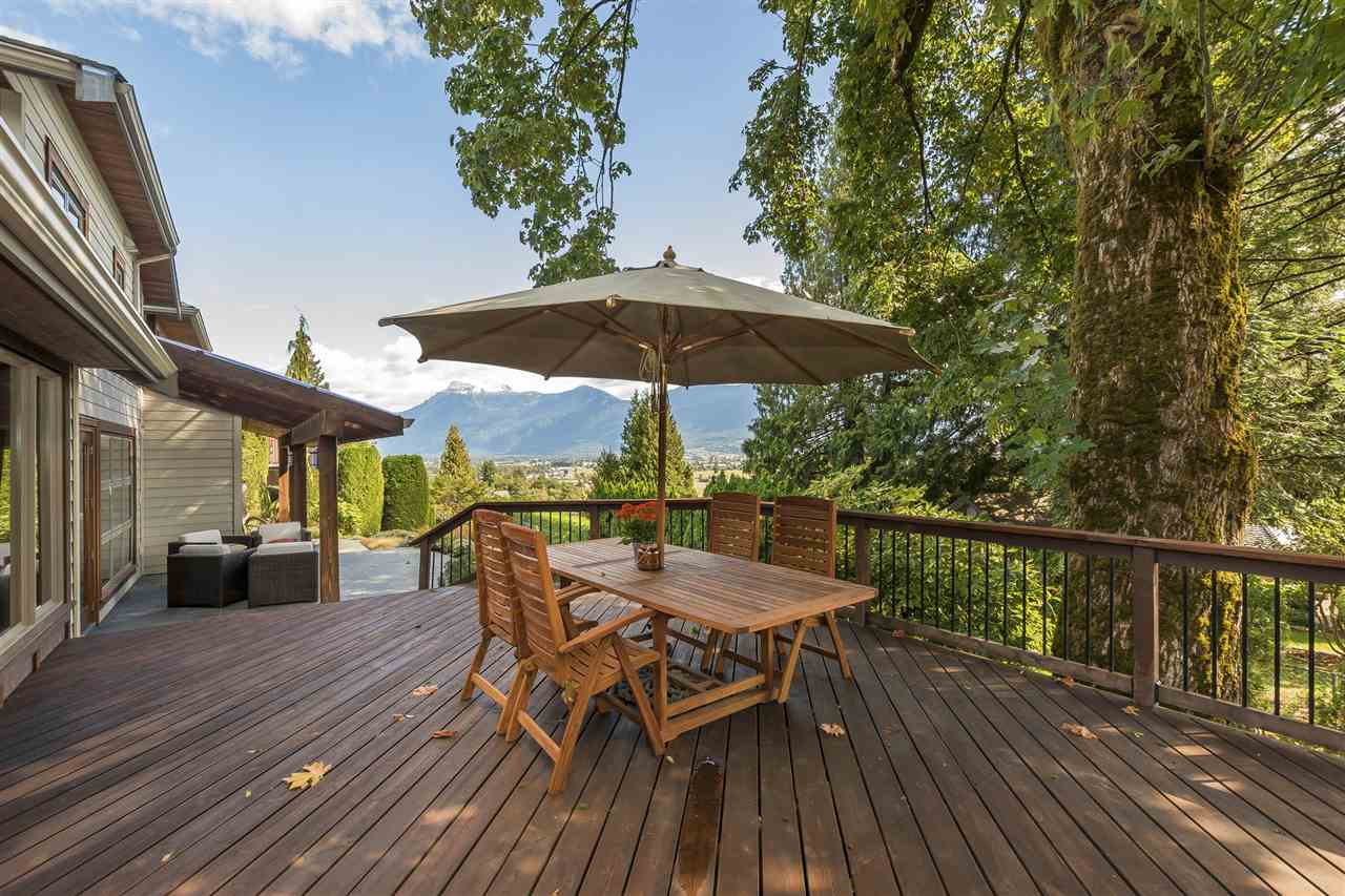 "Photo 16: Photos: 10024 EAGLE Crescent in Chilliwack: Little Mountain House for sale in ""Little Mountain"" : MLS® # R2209962"