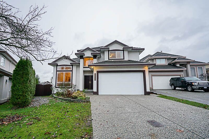 Photo 1: Photos: 8249 152A Street in Surrey: Fleetwood Tynehead House for sale : MLS® # R2225405