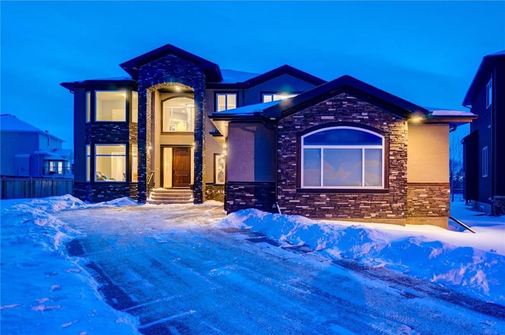 Main Photo: 117 KINNIBURGH BAY: Chestermere House for sale : MLS®# C4160932