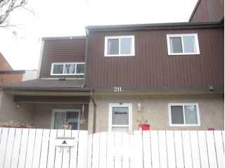 Main Photo: 211 KASKITAYO Crest NW in Edmonton: Zone 16 Townhouse for sale : MLS® # E4101954