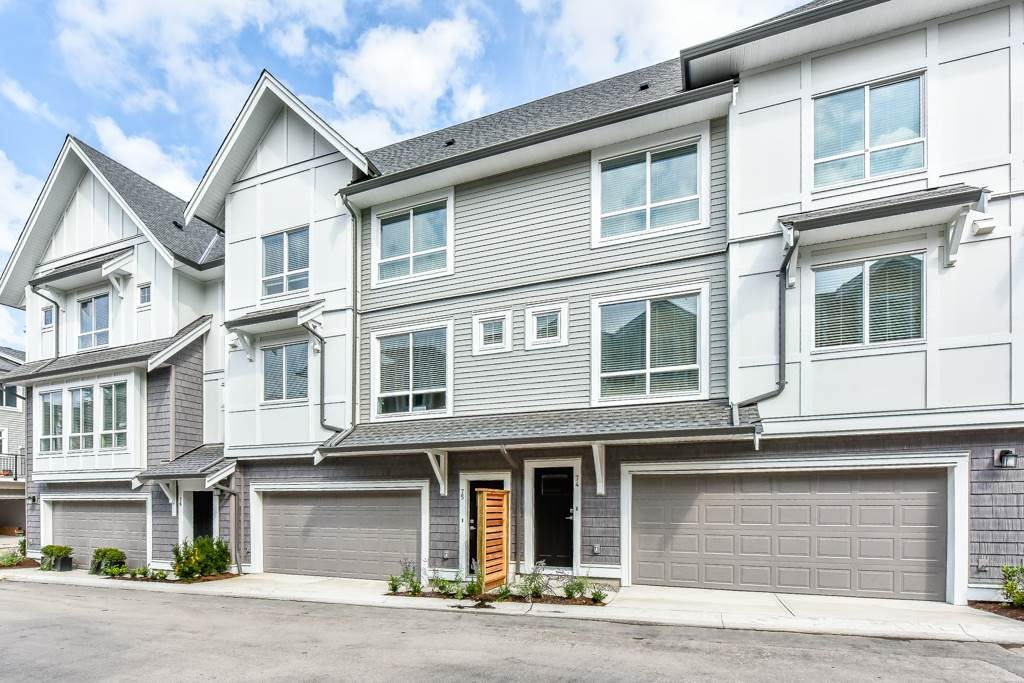 "Main Photo: 74 9718 161A Street in Surrey: Fleetwood Tynehead Townhouse for sale in ""Canopy @ Tynehead"" : MLS®# R2301243"