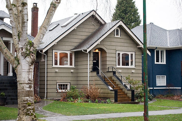 Main Photo: 3424 W 13TH Avenue in Vancouver: Kitsilano House for sale (Vancouver West)  : MLS(r) # V875527