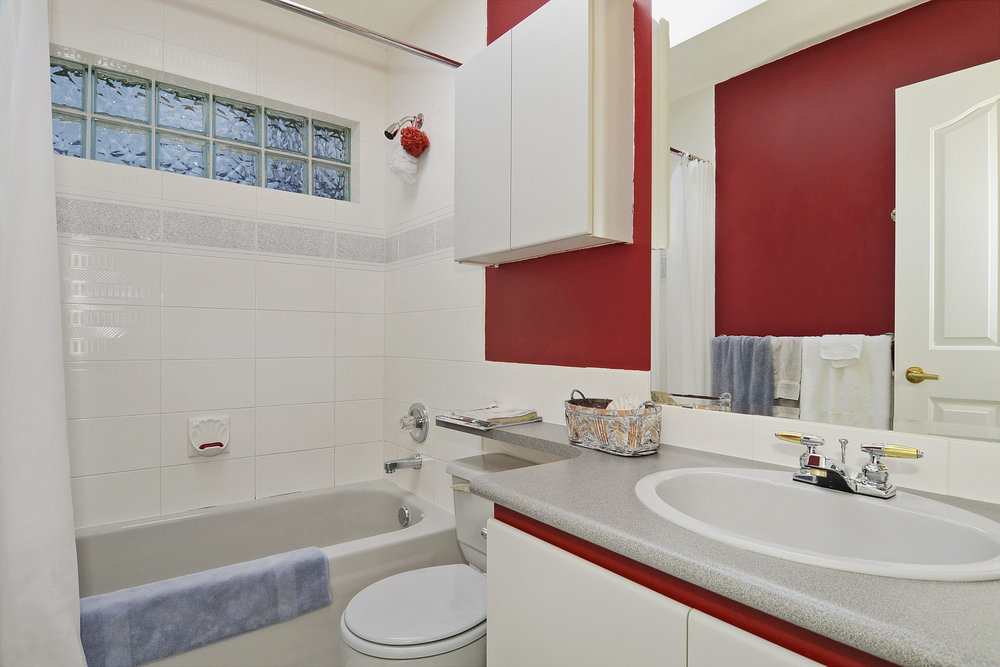 Photo 13: 4264 West 13th Avenue in Vancouver: Home for sale : MLS® # V1005313