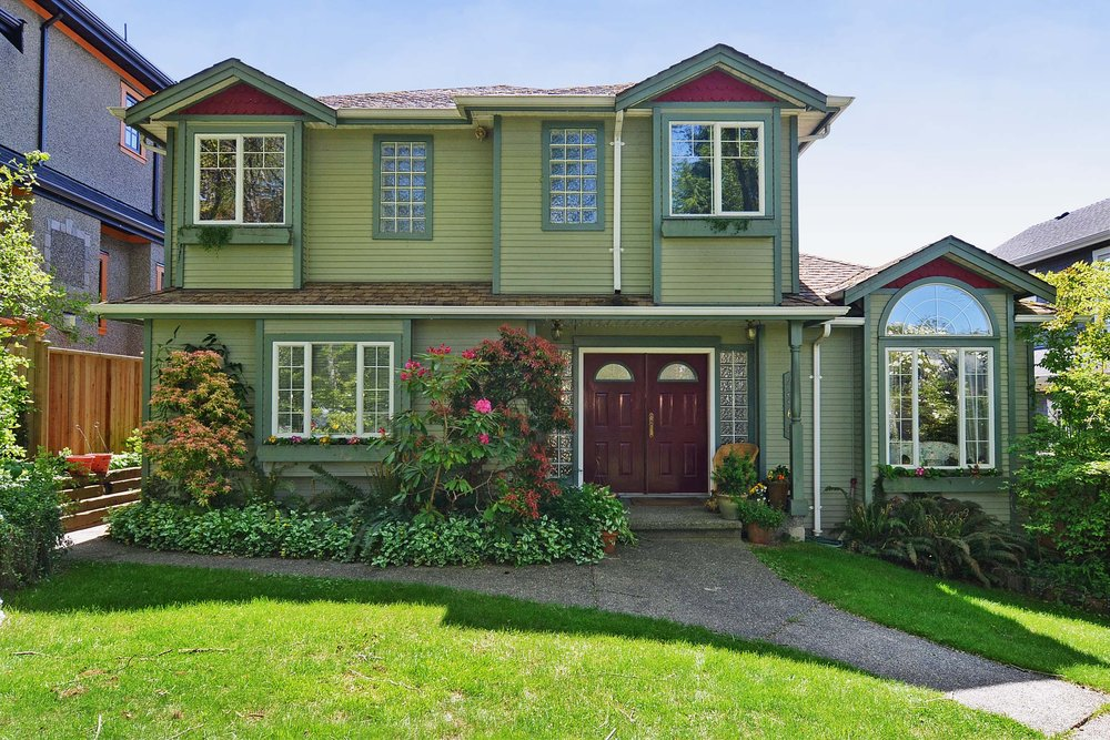 Main Photo: 4264 West 13th Avenue in Vancouver: Home for sale : MLS® # V1005313