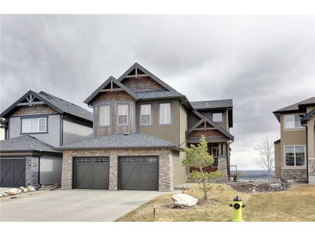 Main Photo: 136 TREMBLANT Way SW in CALGARY: Springbank Hill Residential Detached Single Family for sale (Calgary)  : MLS® # C3611351