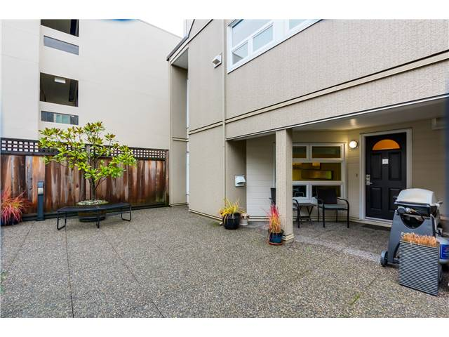 "Photo 13: 17 1350 W 6TH Avenue in Vancouver: Fairview VW Townhouse for sale in ""PEPPER RIDGE"" (Vancouver West)  : MLS(r) # V1094949"