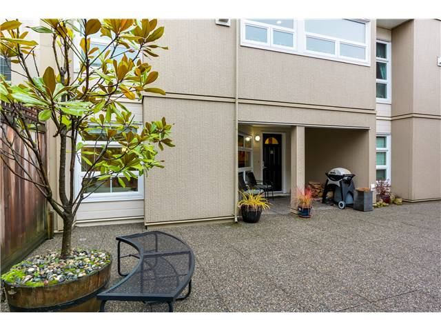 "Photo 14: 17 1350 W 6TH Avenue in Vancouver: Fairview VW Townhouse for sale in ""PEPPER RIDGE"" (Vancouver West)  : MLS(r) # V1094949"