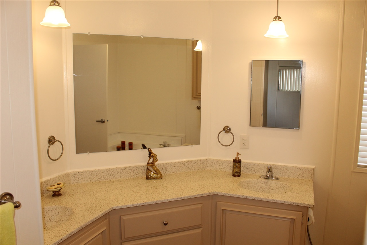Photo 8: CARLSBAD WEST Manufactured Home for sale : 2 bedrooms : 7117 Santa Barbara #108 in Carlsbad