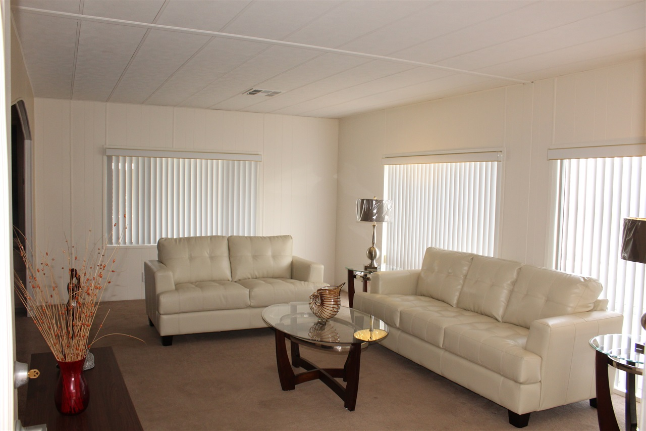 Photo 2: CARLSBAD WEST Manufactured Home for sale : 2 bedrooms : 7117 Santa Barbara #108 in Carlsbad