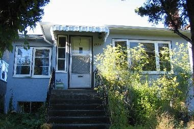 Main Photo: 2455 East 4th Avenue Vancouver in 1: Home for sale
