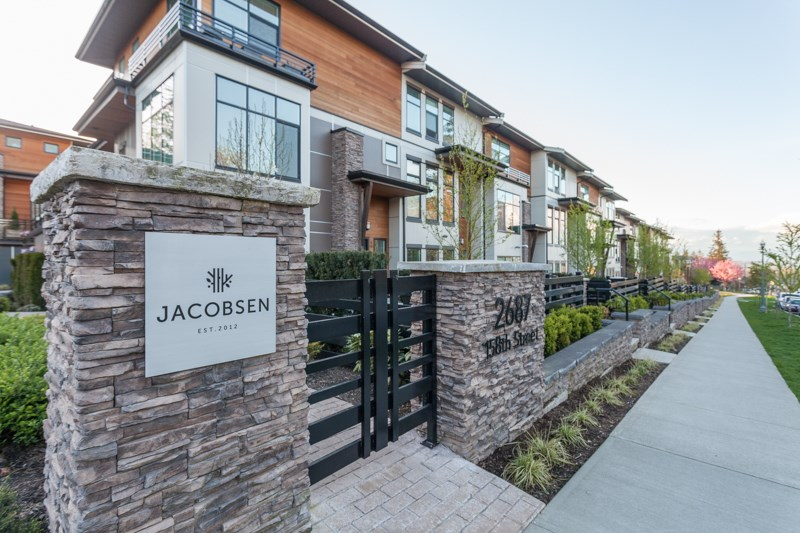 "Main Photo: 58 2687 158 Street in Surrey: Grandview Surrey Townhouse for sale in ""JACOBSEN"" (South Surrey White Rock)  : MLS®# R2054062"