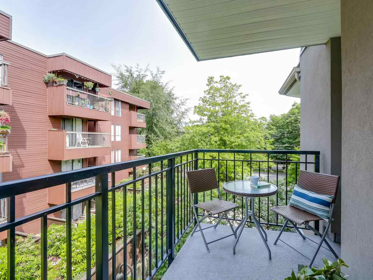 "Photo 12: 312 555 W 14TH Avenue in Vancouver: Fairview VW Condo for sale in ""CAMBRIDGE PLACE"" (Vancouver West)  : MLS(r) # R2076585"