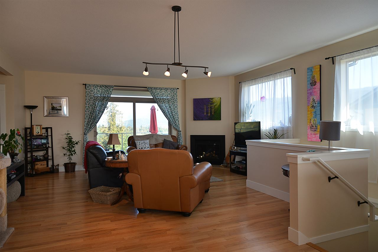 Photo 3: Photos: 5779 TURNSTONE Drive in Sechelt: Sechelt District House for sale (Sunshine Coast)  : MLS®# R2112561
