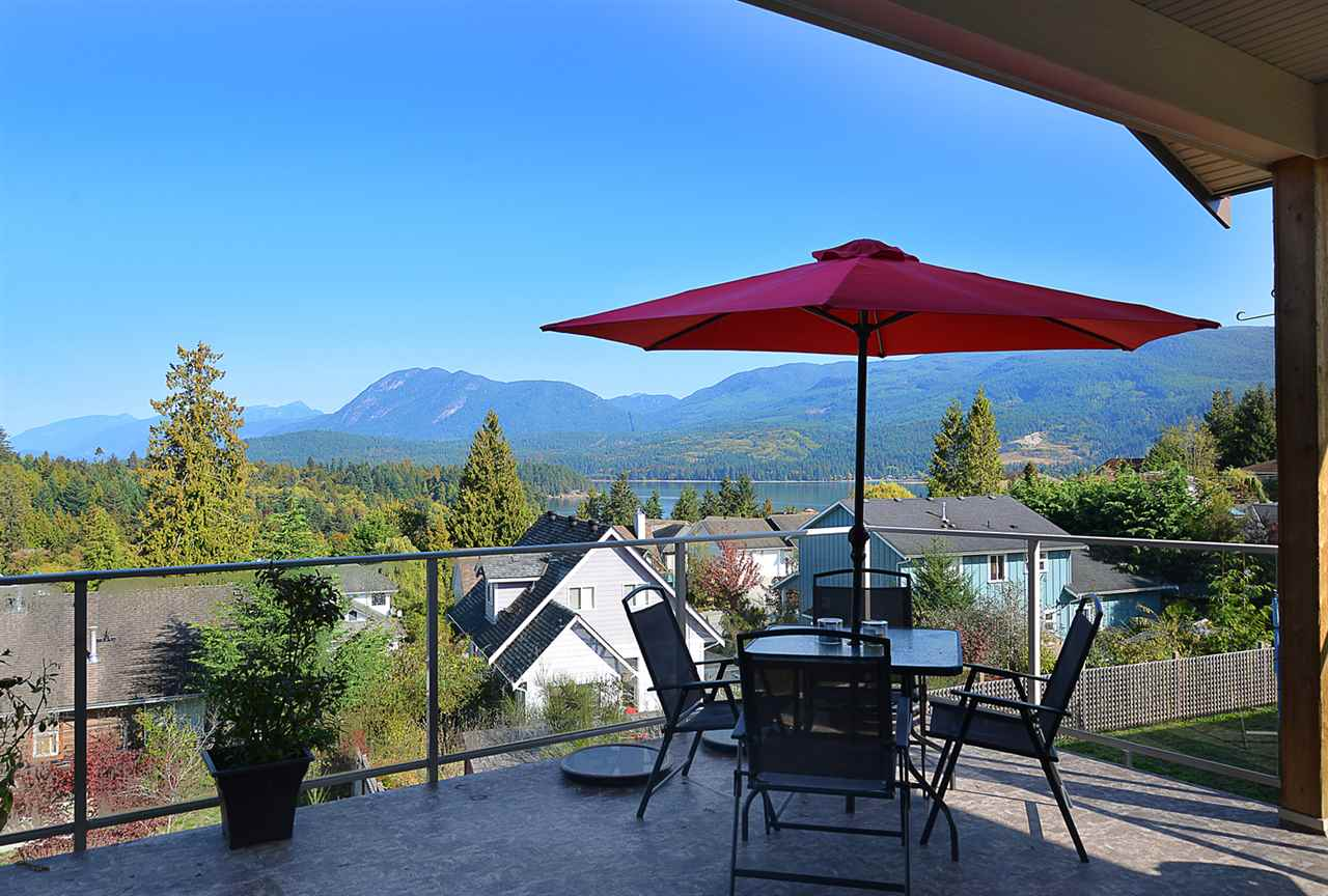 Photo 11: Photos: 5779 TURNSTONE Drive in Sechelt: Sechelt District House for sale (Sunshine Coast)  : MLS®# R2112561