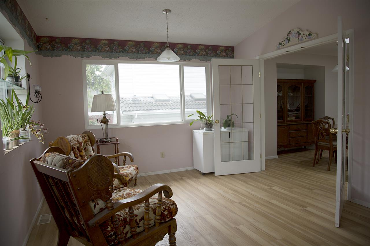 Photo 11: 625 THOMPSON Avenue in Coquitlam: Coquitlam West House for sale : MLS(r) # R2116978