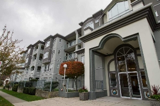 "Main Photo: 104 6475 CHESTER Street in Vancouver: Fraser VE Condo for sale in ""Southridge"" (Vancouver East)  : MLS(r) # R2121568"