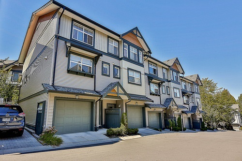 "Main Photo: 80 6123 138 Street in Surrey: Sullivan Station Townhouse for sale in ""PANORAMA WOODS"" : MLS® # R2122021"