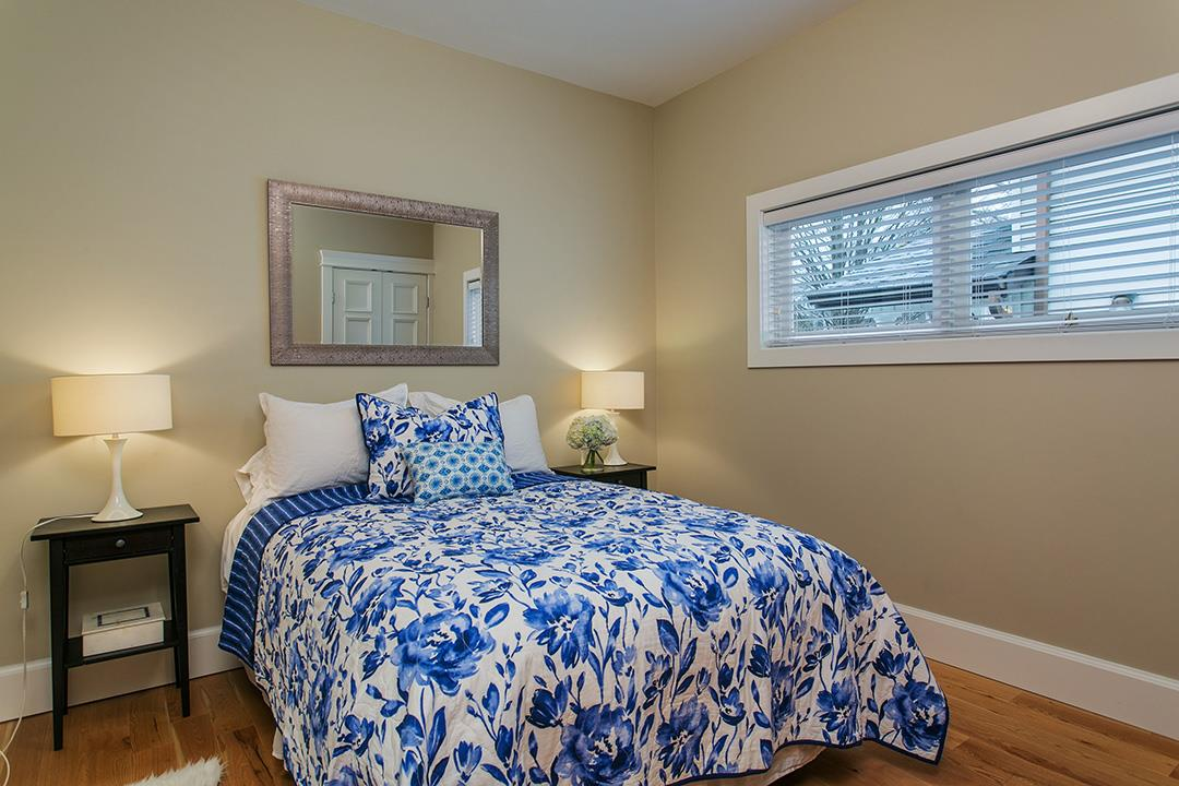 Photo 14: 457 E 11TH Street in North Vancouver: Central Lonsdale House for sale : MLS(r) # R2146302