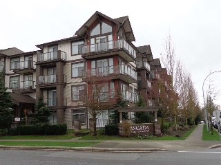 Main Photo: 119 15322 101 Avenue in Surrey: Guildford Condo for sale (North Surrey)  : MLS(r) # R2154451